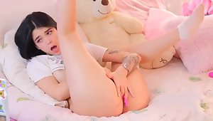 cute teen masterbates on cam 2